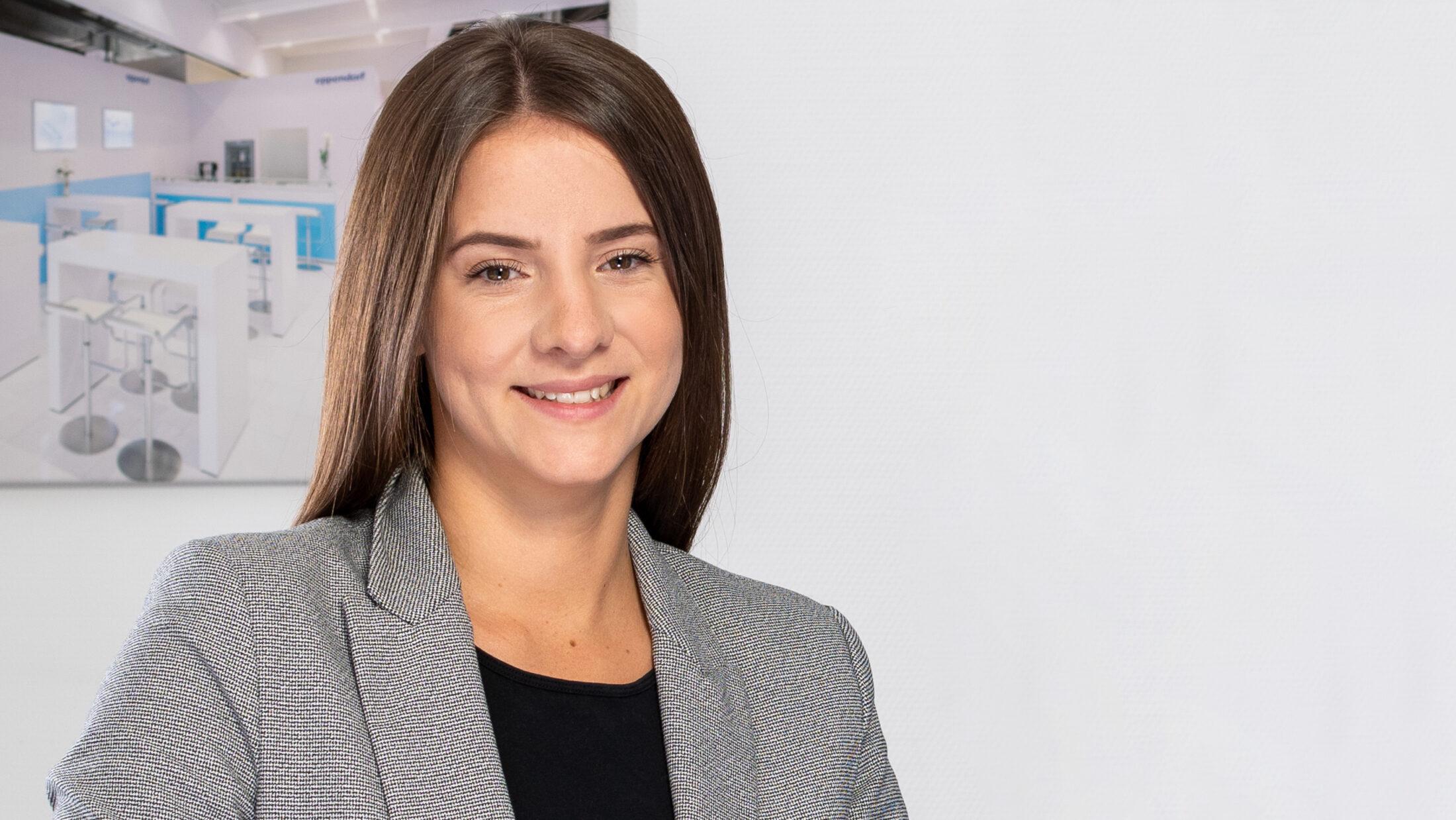 Julia Jackisch, Projektleiter